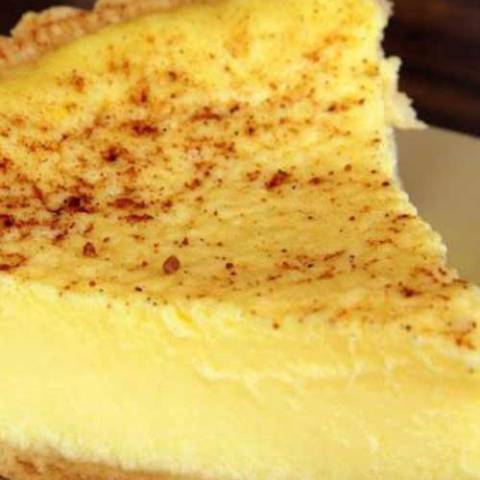 Recipe for Old Fashioned Custard Pie - A simple but decadent pie recipe. Just like the one that Grandma used to make!