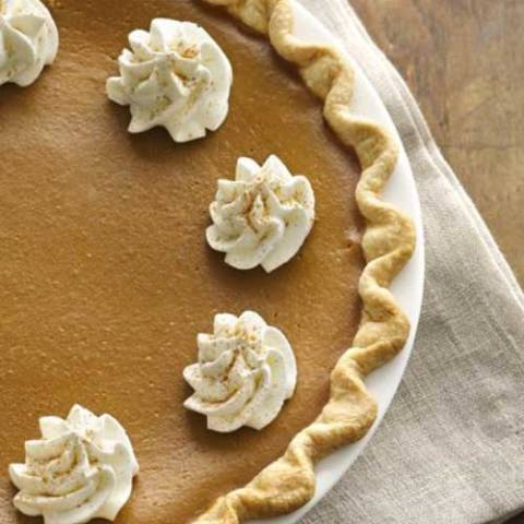 Recipe for Pumpkin Spice Latte Pie - Take the fall coffee favorite, and enjoy it is a pie! It does not get much better than that during this time of year.
