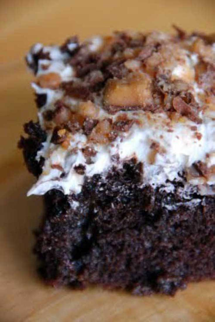 If you need a chocolate fix thisBunco Cake is it! I know that this is a pretty well known recipe and that there are many versions, but this is my favorite one. #chocolate #cake #dessert