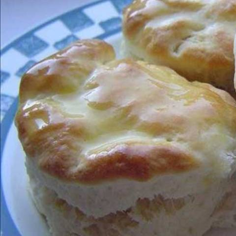 These Copycat Cracker Barrel Biscuits are so good that I always have to double the batch to make sure I get some!
