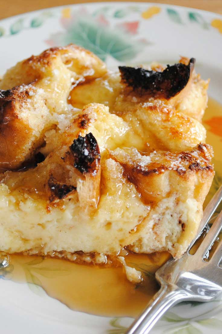 This Creme Brulee French Toast Casserole makes for a fantastic breakfast or brunch treat. Especially because all the prep work is done the night before and you just have to pop it in the oven in the morning. #breakfast #frenchtoast