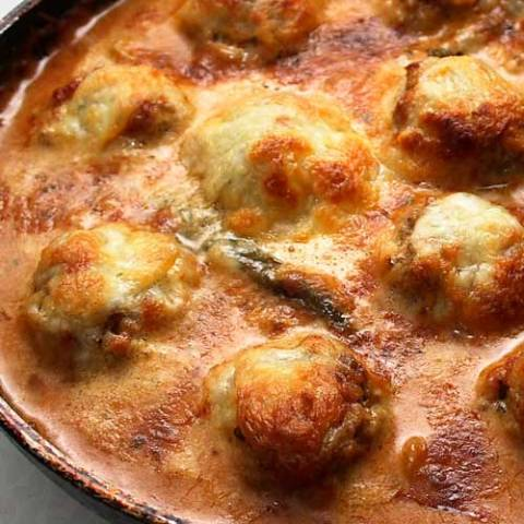 Recipe for Meatballs Toscana - This are so easy to make...and so good you may just end up eating right from the skillet!