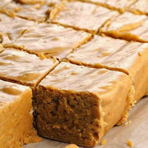 Pumpkin here, pumpkin there, pumpkin pumpkin everywhere! This is by far the BEST pumpkin pie fudge recipe I've ever tasted.