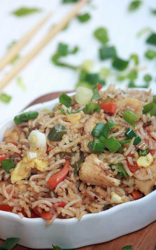 Recipe for Healthy and Easy Chicken Fried Rice - This Healthy and Easy Chicken Fried Rice is so simple to make at home, and is way better, healthier and cheaper than take out!