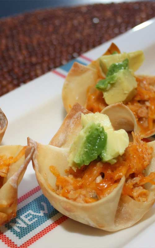 These individual chicken enchilada cups will absolutely thrill your family. Everything you love about chicken enchiladas, piled into a few bites!