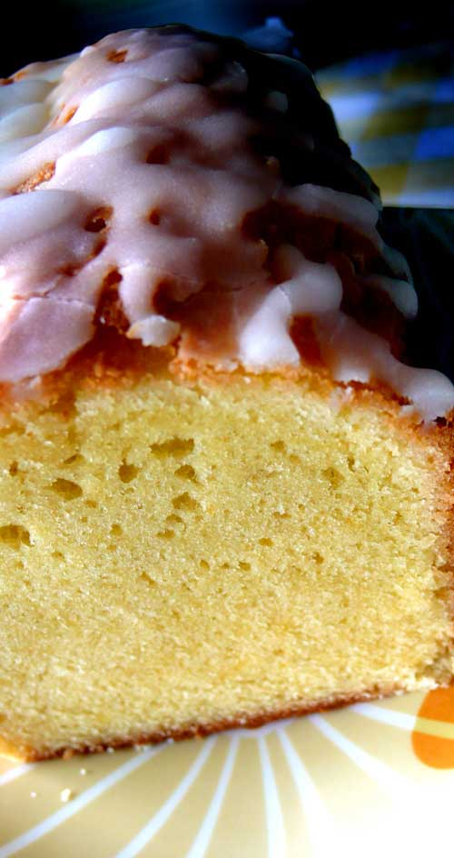 If there were ever a cake for lemon lovers, this Glazed Lemon Pound Cake is it! Lemon zest and lemon juice are added to the batter, which lightly perfume the cake with lemon. #poundcake #lemon #dessert