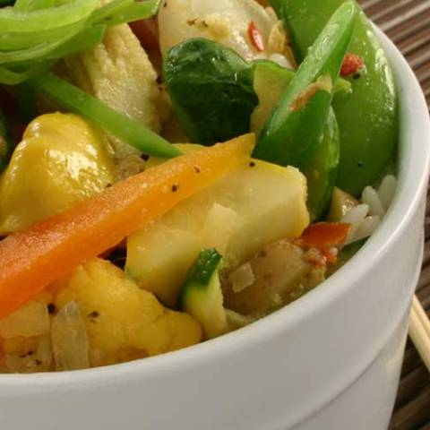 Recipe for Skillet Steamed Vegetables - What could possibly be more simple than steamed fresh vegetables? Ours are gently flavored with an herb butter. Healthy, delicious, and convenient.