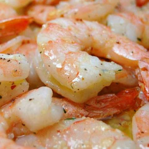 Recipe for Garlic Shrimp - The garlicky, spicy shrimp is just amazing, and all-in-all this is a very healthy way to cook shrimp. I served it with wild rice and steamed veggies, it was pretty darn good if I do say so myself.