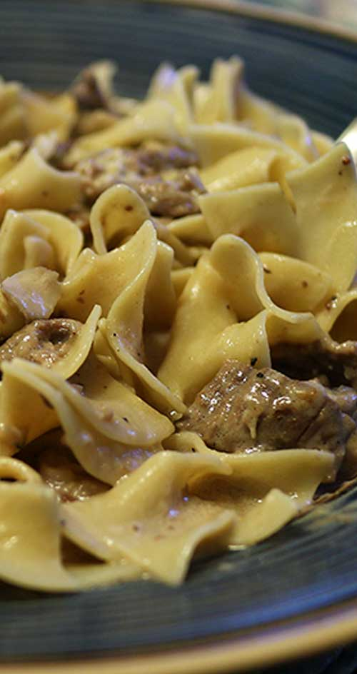 Recipe for Easy & Delicious Beef Stroganoff - This 30-minute easy beef stroganoff recipe is comfort food at its best!