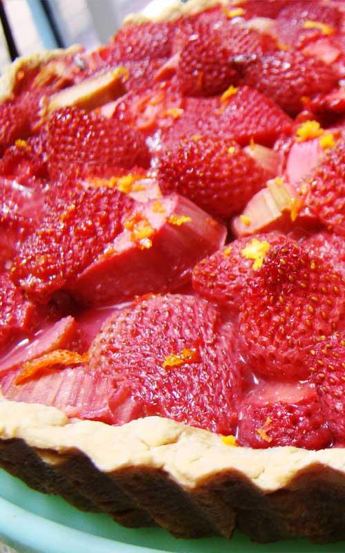 Strawberry Rhubarb Daiquiri Pie