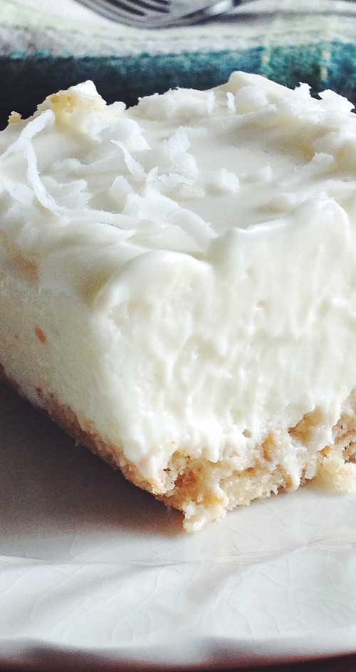 Classic Key lime pie taste in a bar! These easy-bake Key Lime Bars are a refreshing treat for everyday or on any dessert buffet. #citrus #dessertbars #keylimes