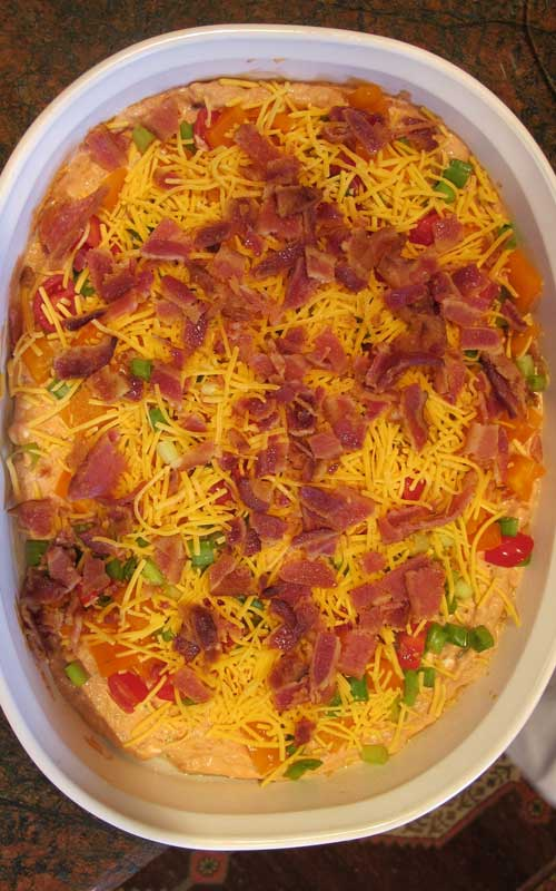 Recipe for Bacon Cheddar Party Dip - Both children and adults enjoy this dip. It's so quick and easy to prepare. Perfect for special occasions like birthdays an parties, or any time you are wanting bacon and cheese!