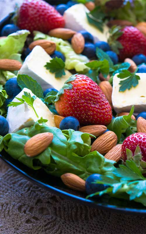 Berry, Brie and Almond Salad