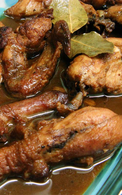 Inspired by the Philippine national dish, this Easy Chicken Adobo uses a simple blend of garlic, vinegar, and soy sauce to give chicken a zingy boost. This is the perfect dinner recipe to spice up your usual routine.