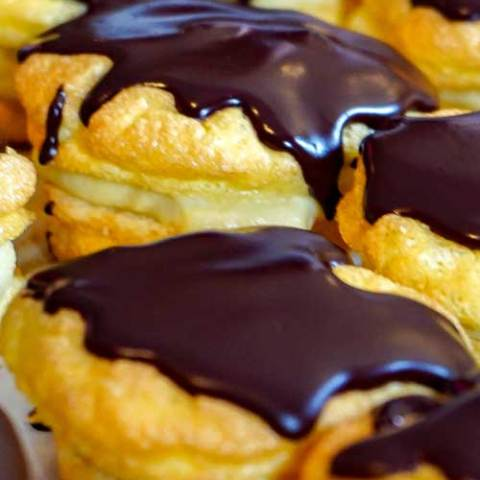 Don't let sweets derail your low carb diet. These Low Carb Chocolate Eclairs are the perfect tasty dessert to keep you on track!