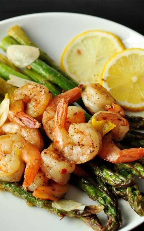 Lemon and Garlic Shrimp Over Asparagus