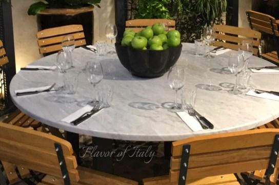 Table for nine at Hosteria del Mercato