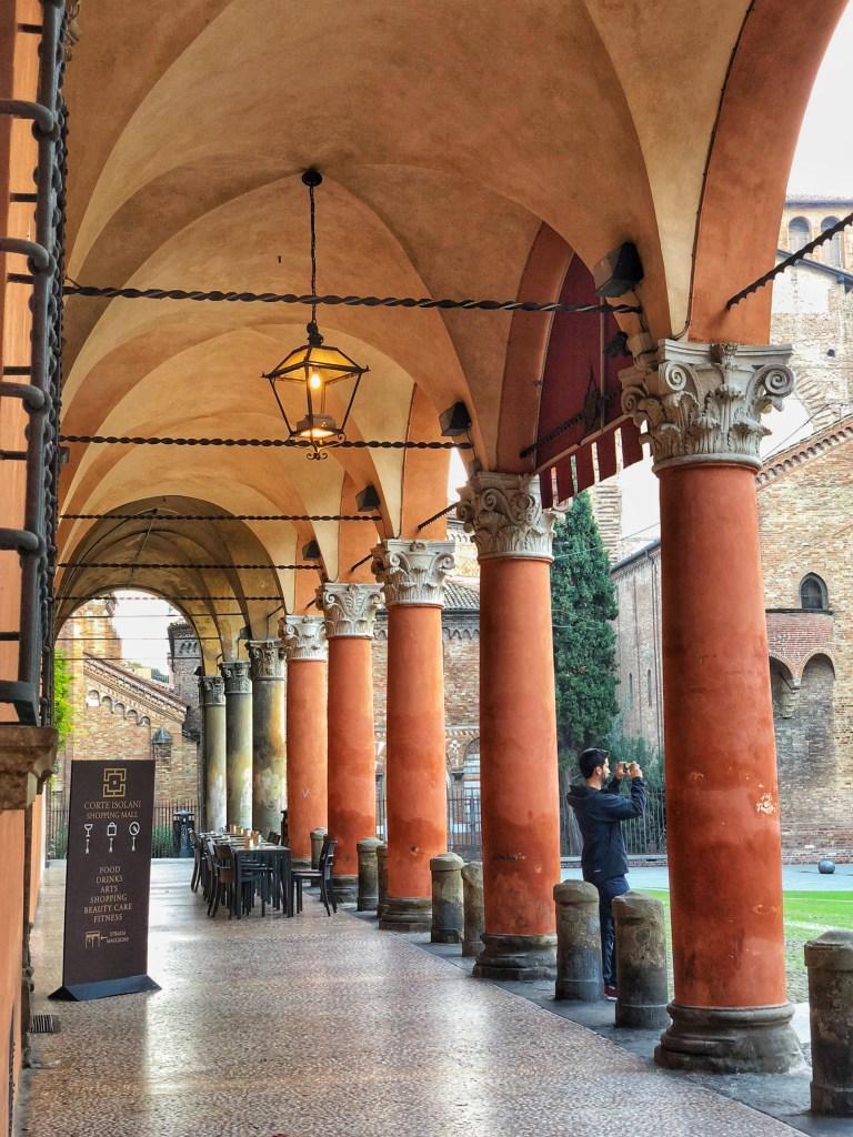 Portico Palazzo Bolognini Isolani, Piazza Santo Stefano, Bologna