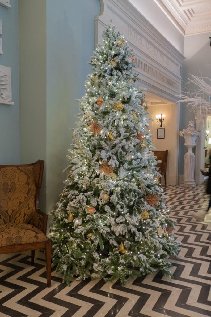 Hotel de la Ville tree Christmas Rome 2020