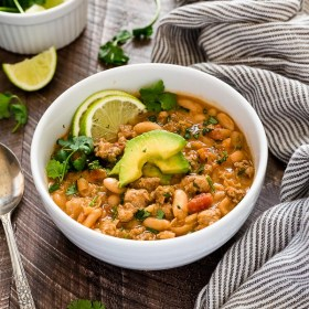 White Bean and Turkey Chili is hearty, healthy turkey chili with white beans, fresh lime and plenty of spice!