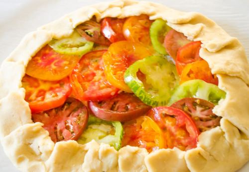 heirloom-tomato-galette-farmers-market-friday2 | flavorthemoments.com