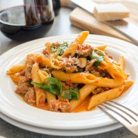 One Pot Creamy Sausage Roasted Red Pepper Pasta
