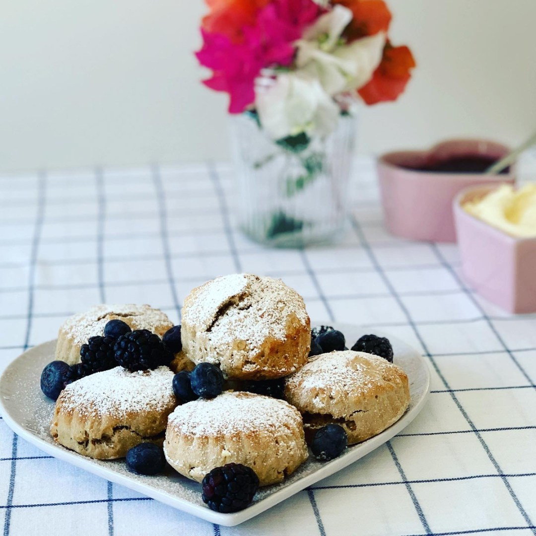 Fluffy Earl Grey Tea Scones with Clotted Cream and Jam @FlavourFiles