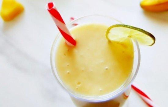 Tropical Smoothie Recipe (Vegan smoothie + Video)
