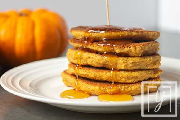 Paleo Pumpkin Pancakes with maple syrup