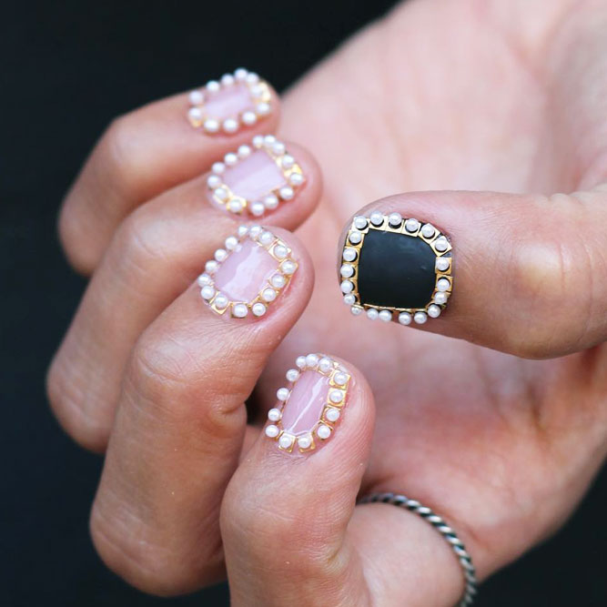 Splendor Frames Simple Nail Art with Stones and Beads picture 1