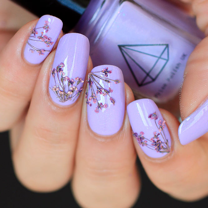 Amazing Dried Flowers On Your Nails picture 1