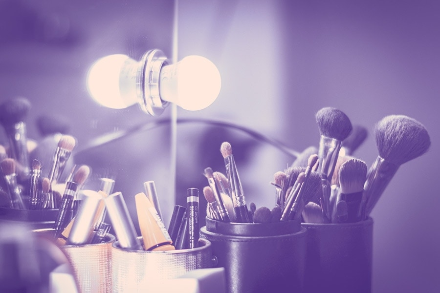 9 Tips to Master Your Makeup Mirror