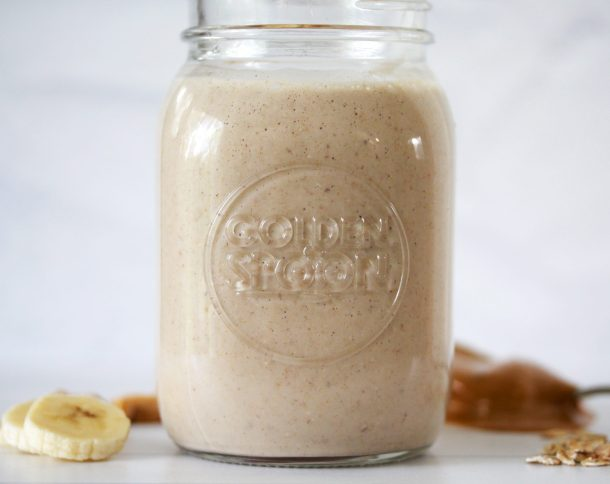 This is a great oats smoothie recipe for weight loss that uses rolled oats for fiber and protein. It's a delicious banana and peanut butter smoothie with almond milk!