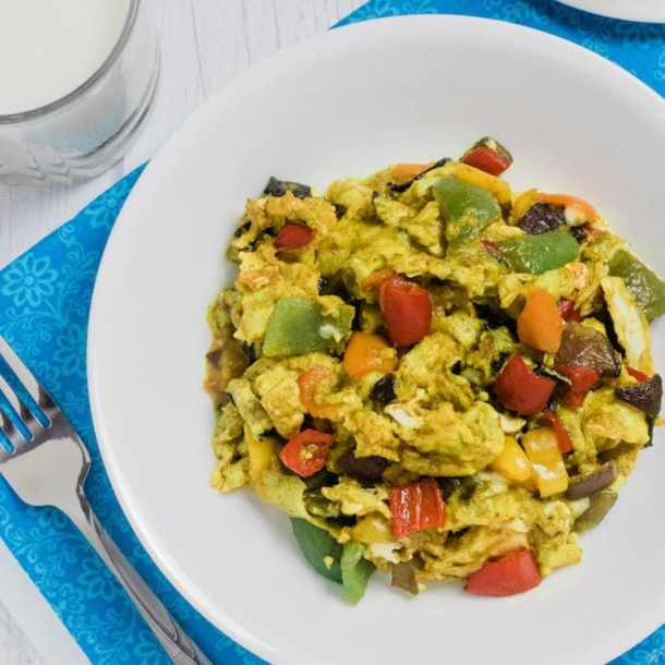 Veggie Scrambled Eggs are a healthy recipe to lose weight fast on a budget