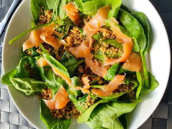 Smoked salmon is a cheaper alternative to fresh salmon for losing weight on a budget