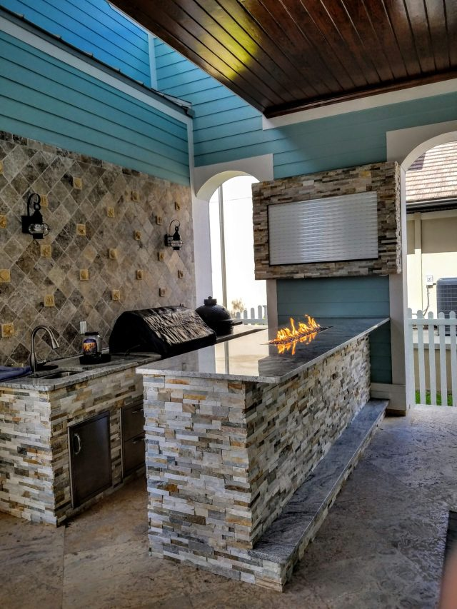creative outdoor kitchens of florida big green egg - creative