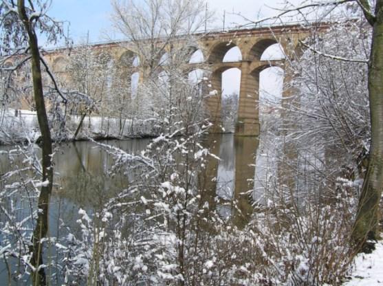 Viadukt im Winter