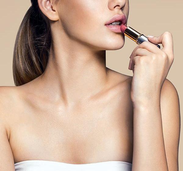 testing lipstick samples