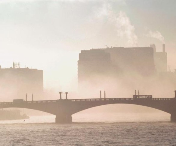 """Government """"abdicates responsibility"""" in air quality plans"""
