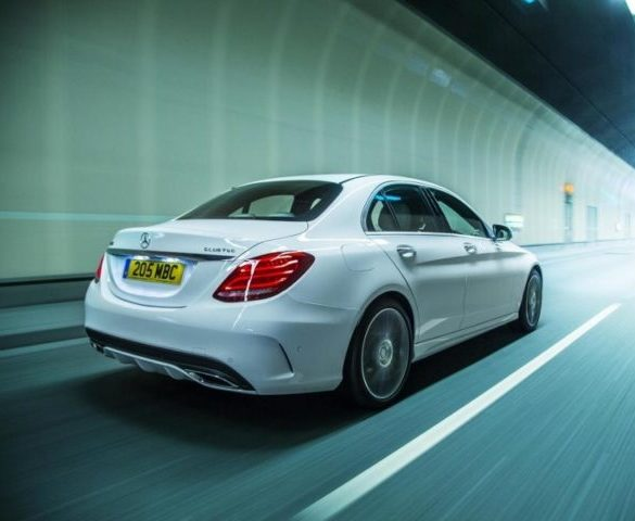 Daimler to offer NOx-reducing software update for 3m diesels