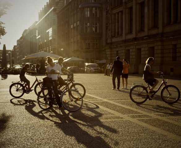 Government mulls new offence for cyclists