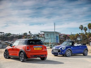 Patriotic lights adorn all new UK 2018 Minis as standard