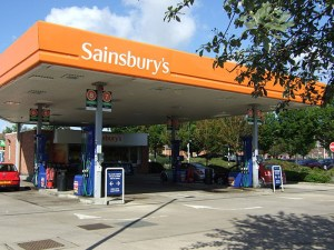 Supermarkets are being urged to pass on the drop in oil prices to consumers