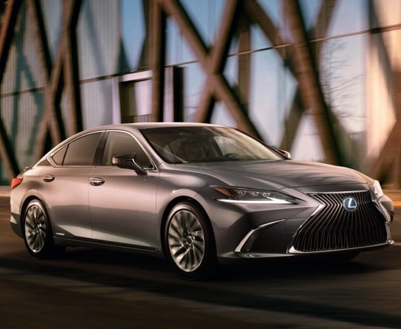 Lexus range to expand with ES compact hybrid saloon