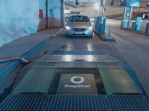 The free-of-charge SnapSkan services uses a driver-over ramp to provide a digital tyre depth reading