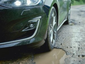 New Ford Focus pothole detection technology can reduce the impact of striking potholes