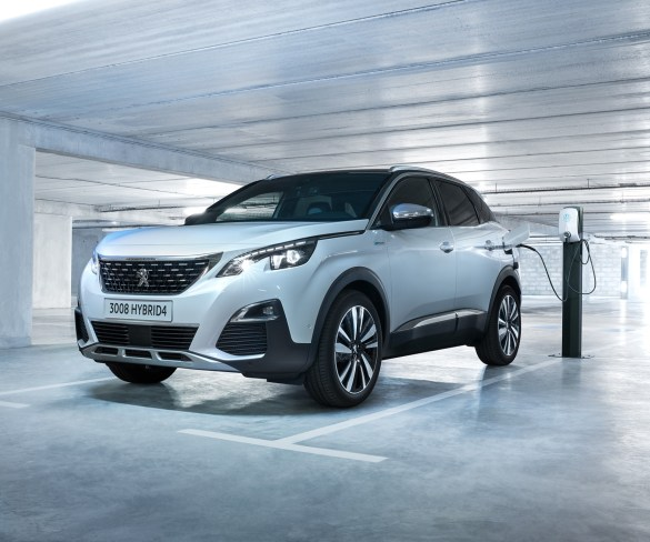 Peugeot shows 49g/km PHEV 3008 and 508