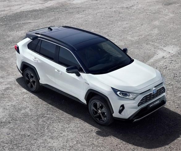 Toyota drops diesel for three core fleet models
