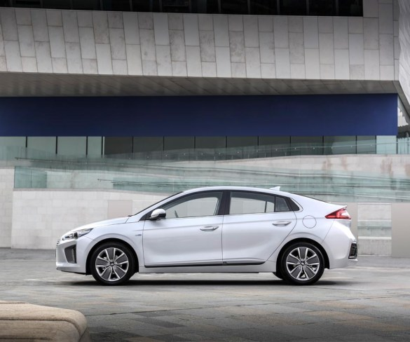 Europcar Mobility Group welcomes new Hyundai hybrid fleet