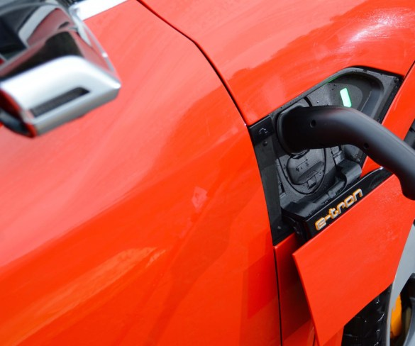200,000+ pure EVs to hit UK roads in 2021
